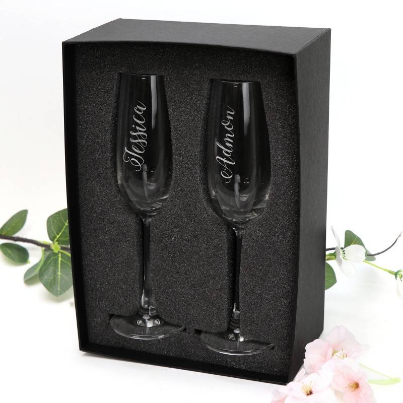 engraved-double-champagne-glass-set-with-gift-box