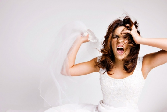 3 Signs that you are turning into a Bridezilla